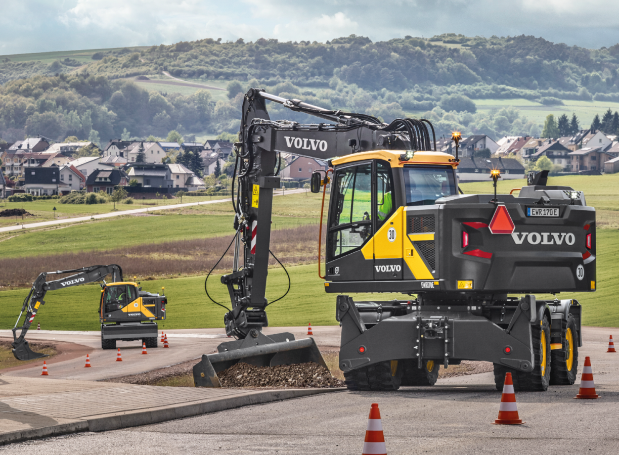 Delcora® ensures the stability and mobility of your excavator!